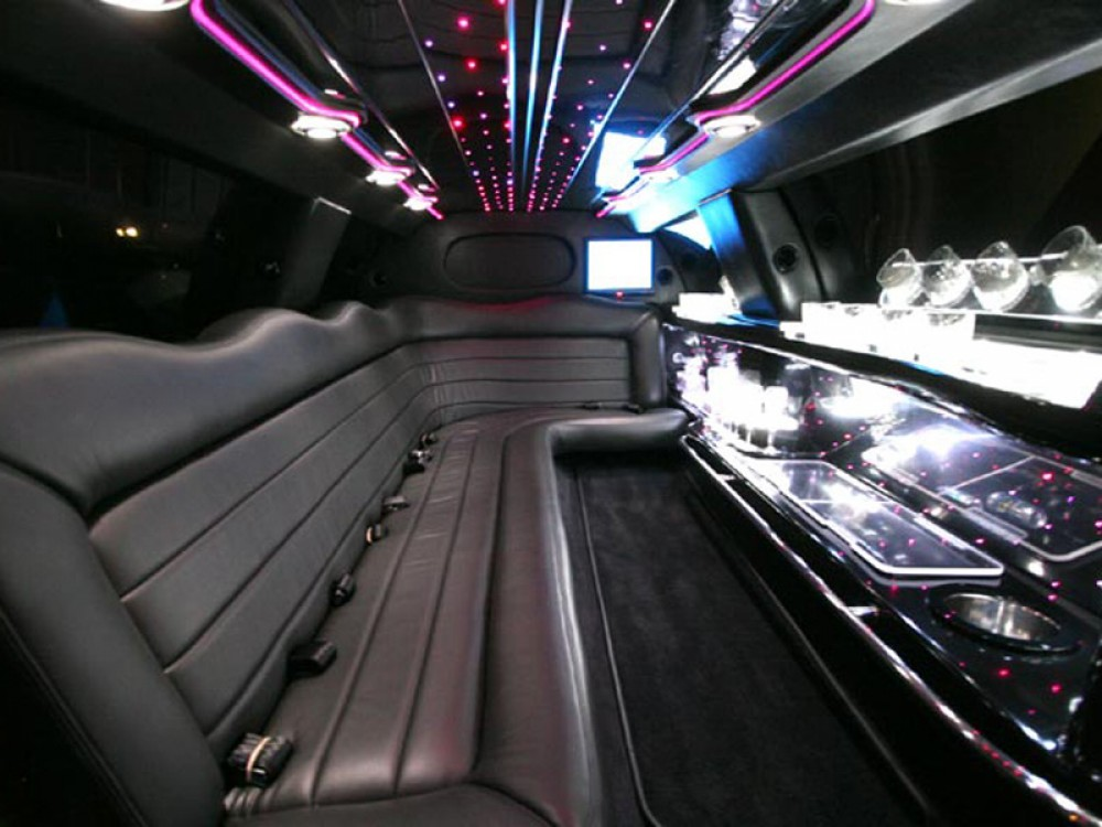 lincoln stretch limousine regency transportation. Black Bedroom Furniture Sets. Home Design Ideas