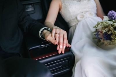 Five No-Hassle Booking Tips for Wedding Transportation