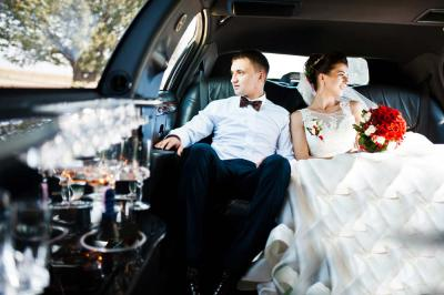 Must-Have Items to Keep in Your Wedding Limo